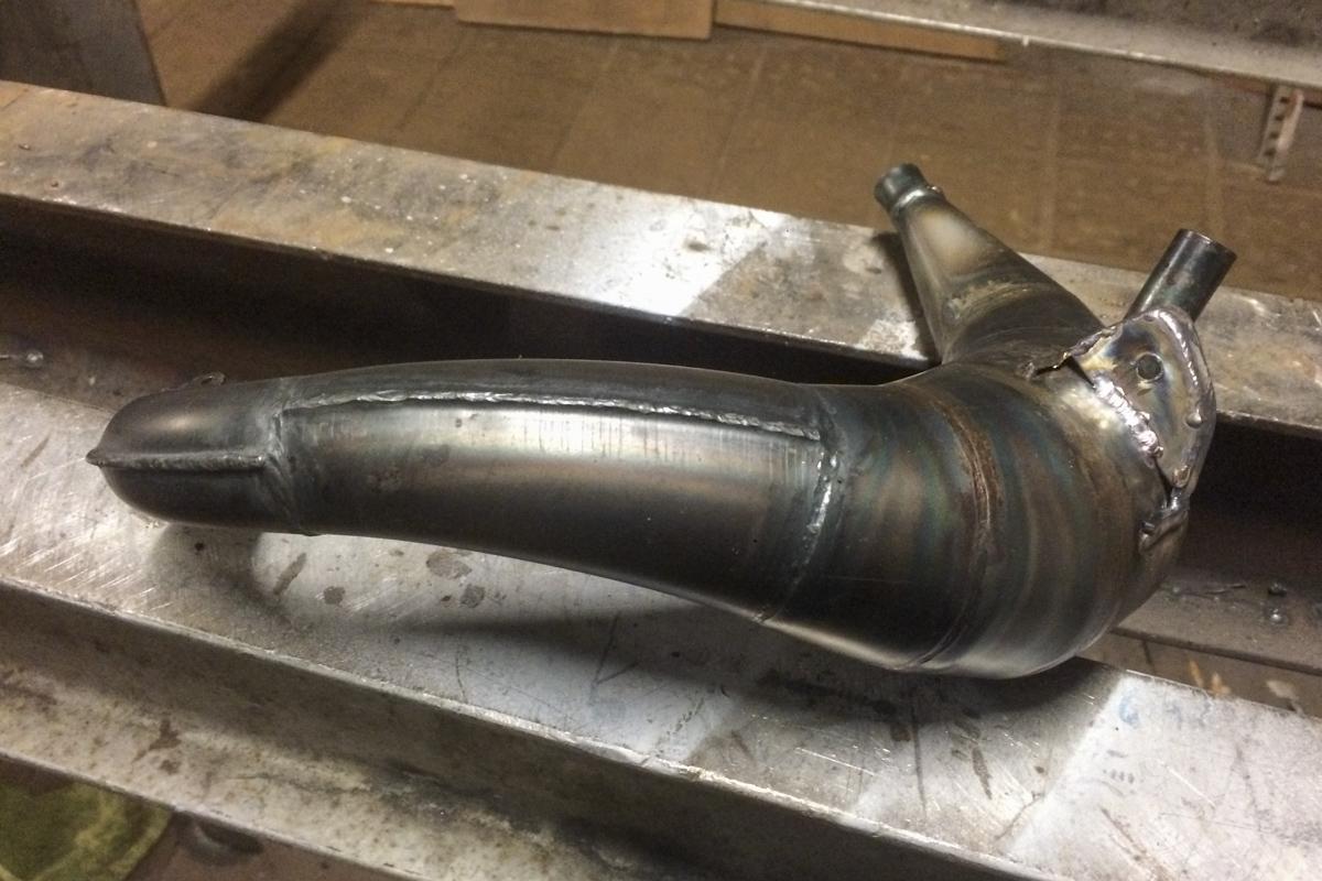 Metall Reparaturen Reparaturschweißung Blase Auspuff