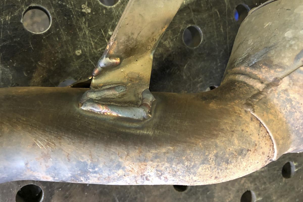 Metall Reparaturen Reparaturschweißung Lasche Auspuff