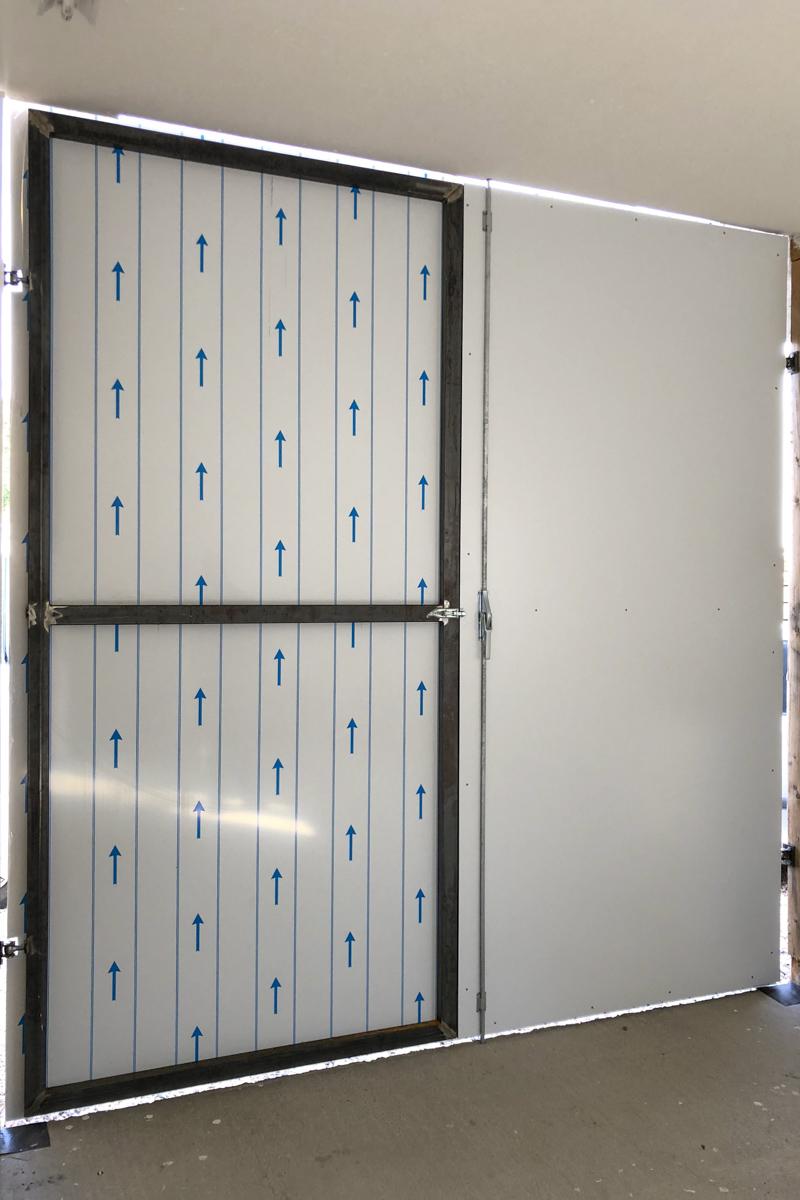 Metall Sonderanfertigung Doppelflügliches Tor Dämmung Aluminiumdibond Doppelverrieglung