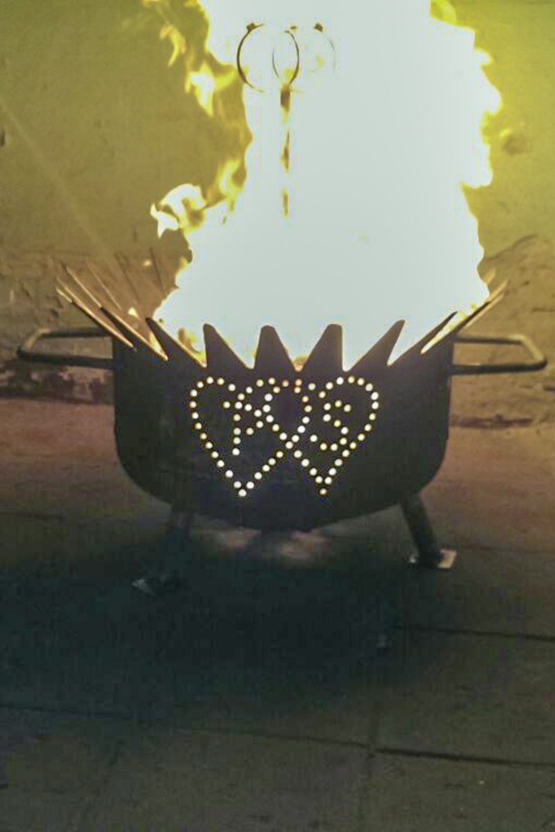 Metall Sonderanfertigung Feuerschale individiuell angepasst Hochzeitsgeschenk