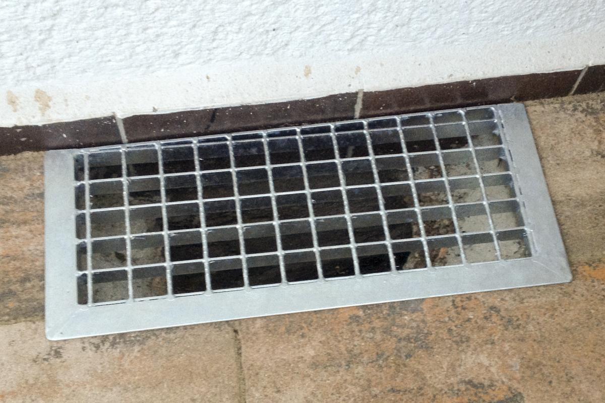 Metall Sonderanfertigung Schachtabdeckung Stahl verzinkt