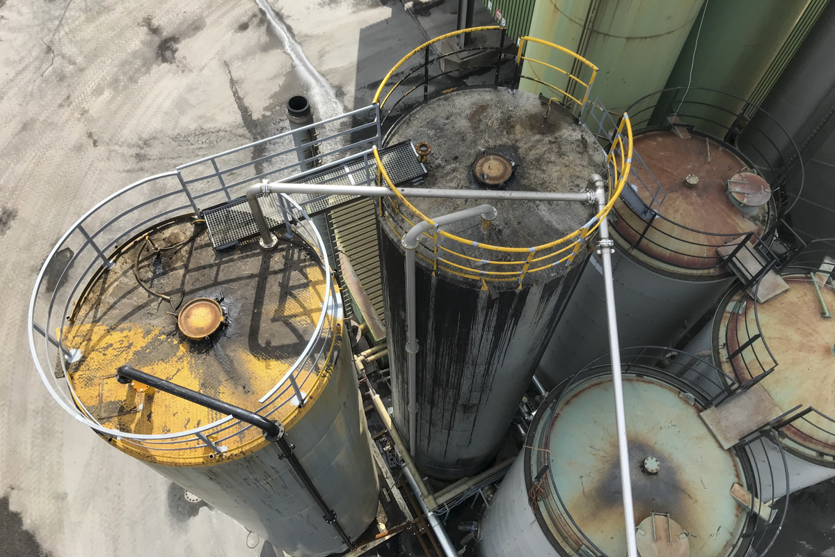 Metallgeländer Rundbogengeländer Absturzsicherung Silo
